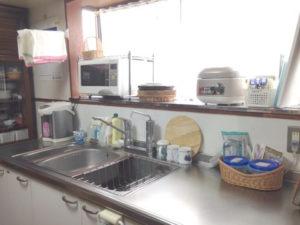 実家のキッチン上の状態