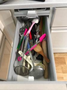ごちゃつく調理器具の収納